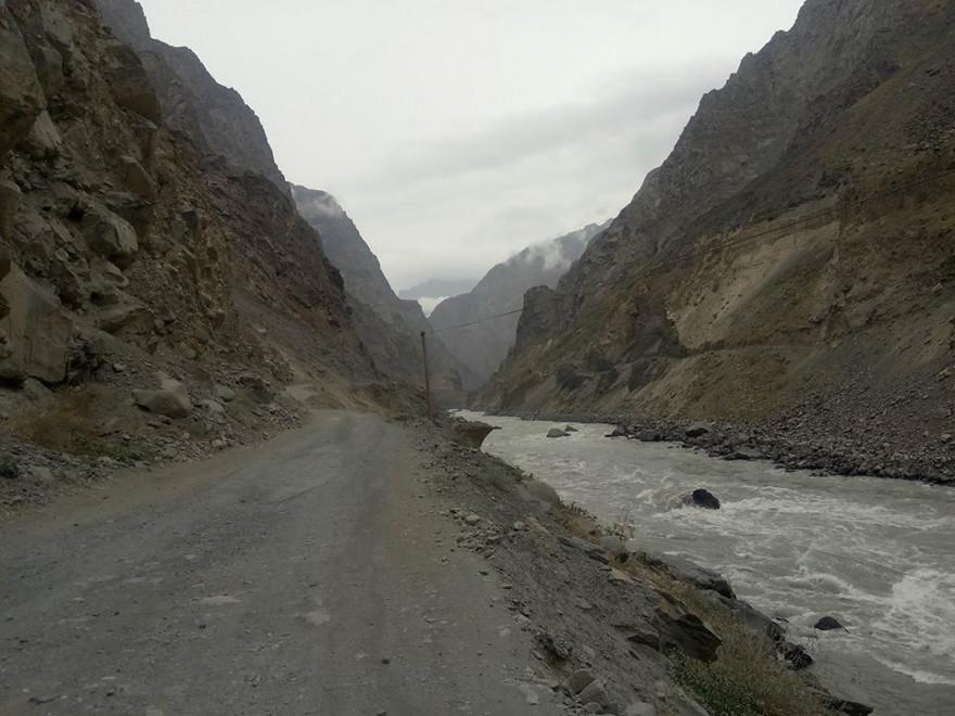Immagine di un passo alpino nel Pamir lungo il Corridoio di Wakhan